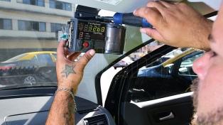 Los taxistas protestan contra el cambio de taxímetros por tabletas