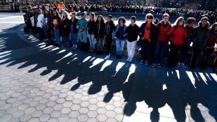 Estudiantes protestaron en todo EEUU a un mes de la masacre de Florida