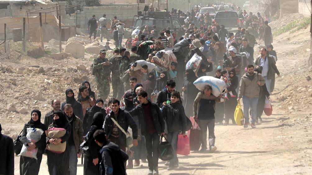 Según Acnur, 6,7 millones de sirios se refugiaron fuera del país y otros 6,7 millones se convirtieron en desplazados internos dentro del territorio.
