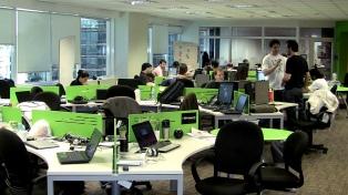 Las empresas comienzan a buscar reemplazo fuera de los planteles internos