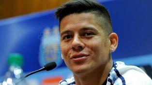 Marcos Rojo firmó el contrato y este martes será presentado en Boca Juniors
