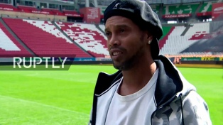Ronaldinho se afilia al partido de la Iglesia Universal para ser candidato