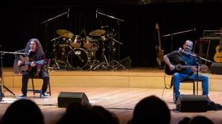Orozco-Barrientos adelantan el repertorio de su cuarto disco