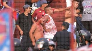 Incidentes entre barras de Los Andes en el partido ante Brown dejaron 114 aprehendidos