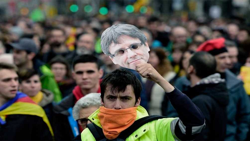 El presidente Pedro Sánchez indultó a nueve líderes separatistas catalanes, entre ellos a Carles Puigdemont.