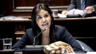 Una senadora, asesorada por Durán Barba, salió a tocar timbres