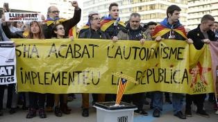 Los separatistas cortan las rutas en Cataluña y Puigdemont asegura que no se rendirá