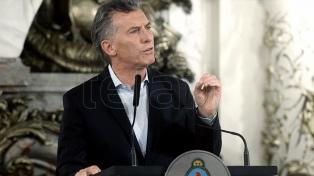 Macri recibe a empresarios aceiteros y a atletas que participaron en los Panamericanos