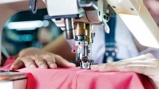 Advierten que no logra recuperarse la producción nacional de ropa