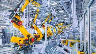 La actividad industrial bajó 4,5 % interanual, informó el Indec