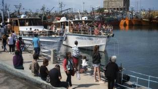 Miles de turistas visitaron el Puerto por sus comidas de Viernes Santo