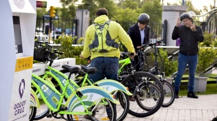 El municipio de Godoy Cruz premiará con $800 a los empleados que vayan a trabajar en bicicleta