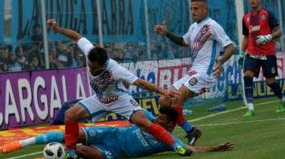 Belgrano acertó en el segundo tiempo y goleó a Arsenal