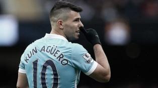 """Con el """"Kun"""" Agüero en el banco, Manchester City le ganó al Everton"""