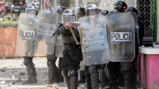 """Se espera una """"gran marcha"""" tras las represión que causó 28 muertos"""