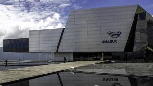 Quito abandona Unasur y quita la estatua de Kirchner de la sede regional