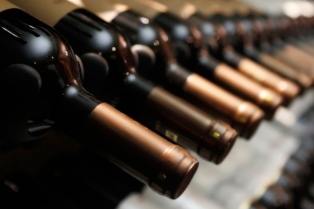 Los restaurantes porteños se suman a la tendencia de producir vinos propios