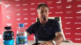 Holan enojado por el horario de Boca y Huracán y su resultado por las Copas