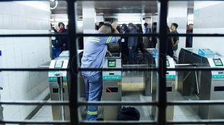 Los metrodelegados paralizaron durante dos horas la línea H