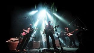La TV Pública revive el histórico concierto que Las Pelotas dio en el Malvinas Argentinas