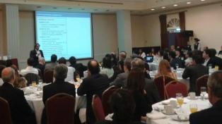 """Según Ecolatina, la reestructuración de la deuda """"permitirá aliviar"""" US$ 41.500 millones"""