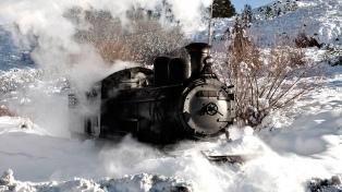 La Trochita se pone a punto para recibir a los turistas en la temporada invernal