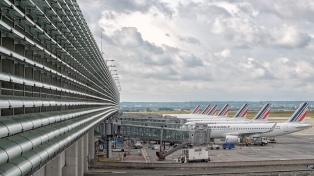 Francia impone el pase sanitario en el transporte de larga distancia