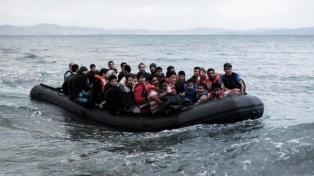 Absolvieron a tres bomberos españoles que rescataban migrantes sirios del mar