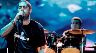 El grupo liderado por Fontanet confirmó que dará sus cinco conciertos en la Plaza de la Música de Córdoba