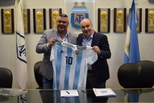Lombardi firmó un convenio con la AFA para la producción de contenidos de la Selección