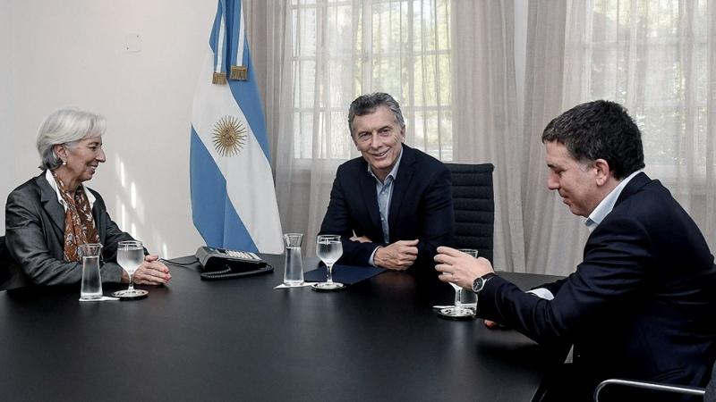Macri y la maldición del crédito a sola firma