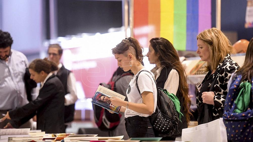 También se podrá visitar la Feria del libro feminista que contará con 23 stands de libros, revistas, ilustraciones y fanzines.