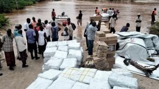 Colapsa por las lluvias una represa y mueren al menos 38 personas