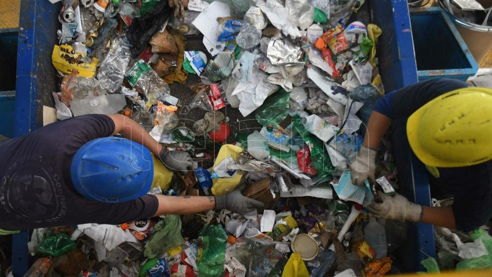 En Argentina se producen aproximadamente 930.000 toneladas de envases plásticos al año.