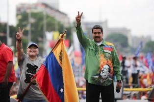 Maduro cerró su campaña y llamó a un diálogo nacional para superar la crisis