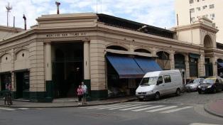 El Viejo Mercado de San Telmo, un sitio para pasear y degustar comidas de todo el mundo