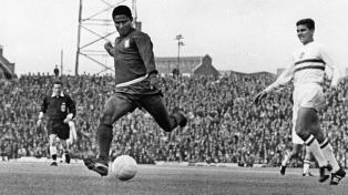 Eusebio, estrella de Portugal, opacó la figura de Pelé en el Mundial de Inglaterra 1966