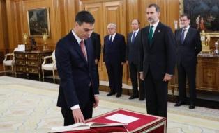 Sánchez estrena gobierno y perfila gabinete mientras el PP busca contraatacar en el Senado