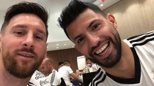 Agüero es el objetivo de seducción a Messi para que siga en el Barcelona