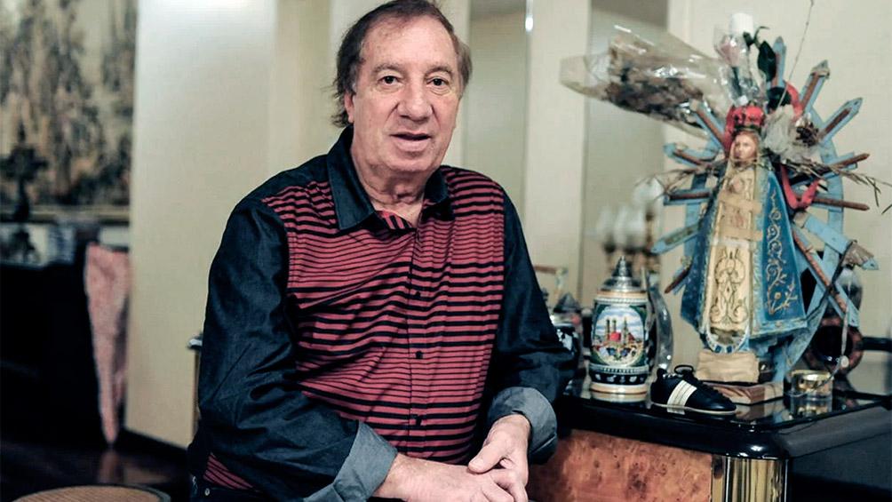 Le hicieron un hisopado a Bilardo y dio negativo, tras casos de coronavirus en el geriátrico que reside