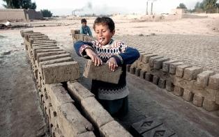 La OIT y la Cepal denunciaron que 300 mil menores serían víctimas del trabajo infantil