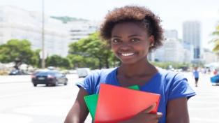 Un 62% de los jóvenes se irían de su país si pudieran, según una encuesta