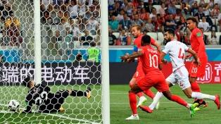 Inglaterra, con dos goles de Kane, venció sobre el final a Túnez