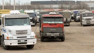 """Camioneros continuarán trabajando """"para que no haya desabastecimiento"""""""