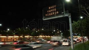 #HoyVamosNigeria, el mensaje de los carteles de tránsito que se hizo viral