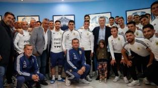 Macri se comunicó con Agüero y alentó a la Selección