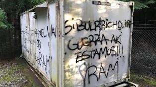 Atentaron contra una torre de comunicación en Lago Puelo y dejaron pintadas de la RAM