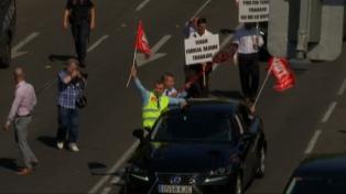 Protestan en Madrid por una norma que regulará el sector de taxis