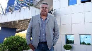 Tapia adelantó que trabaja para implementar el VAR en Argentina
