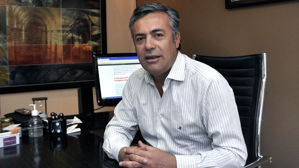 Cornejo recibió el alta hospitalaria tras haber estado internado con coronavirus.